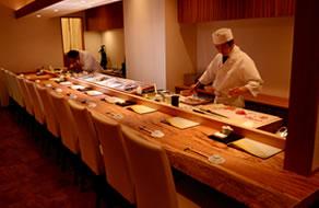 寿司高瀬の店内