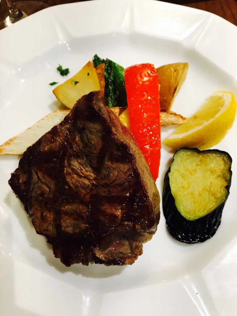 特選牛サーロインの網焼きステーキ