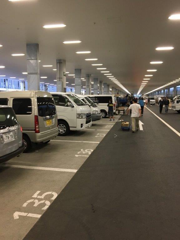 豊洲市場の駐車場
